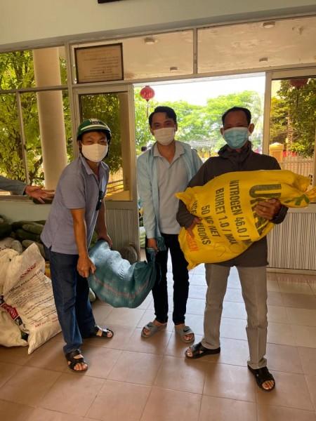 Ủy ban Mặt trận và các đoàn thể thành phố đảm nhận cung ứng bữa ăn trong các khu cách ly tập trung
