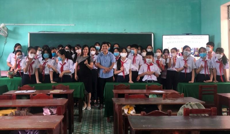 Hội An: khai giảng lớp dạy hát dân ca trong trường học